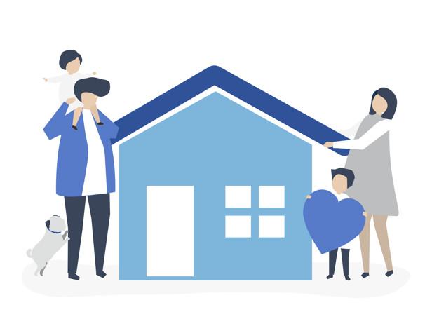 Família se abraçando do lado de sua casa.